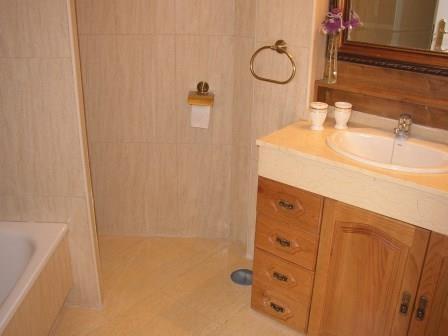Wunderschönes, neues und komplett möbliertes Appartement in Luxusanlage mit Pool Immobilie zum Kauf - Paluum