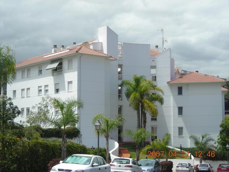 Geräumige und helle Wohnung mit herrlicher Aussicht, sehr sonnig, ruhig,  Immobilie zum Kauf - Paluum