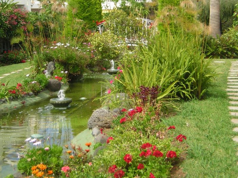 Großzügiges Appartement mit Terrassen und Garten! Gemeinschaftspool.  Immobilie zur Miete - Paluum