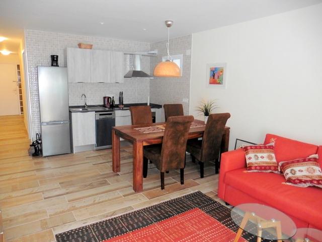 Achtung! Sehr nette Wohnung mit Terrasse! Komplett renoviert und ausgestattet!  Immobilie zur Miete - Paluum