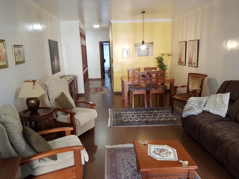 Zentrische, helle Wohnung, 2 Schlafzimmer, französischer Balkon, Terrasse Immobilie zur Miete - Paluum
