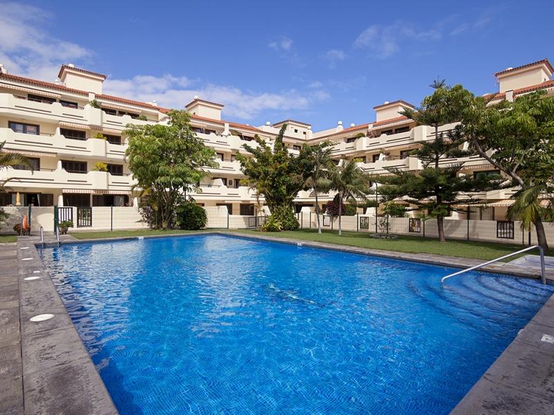 Schönes Penthouse mit 2 Terrassen, möbliert, Garage, Tennisplatz und Pool Immobilie zur Miete - kanarenmakler