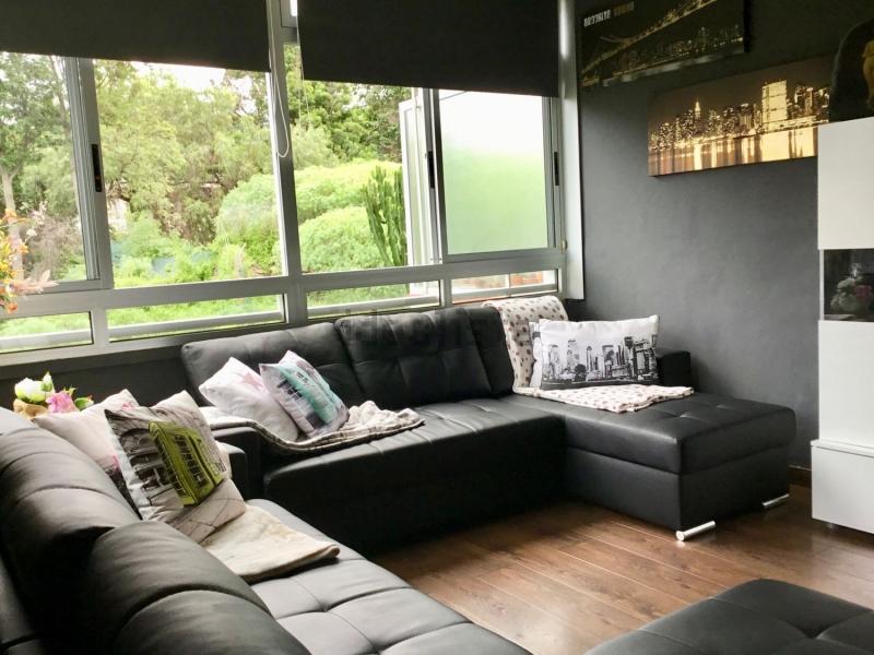 Wohnung komplett renoviert und möbiliert, modern, ruhig gelegen.