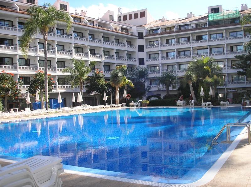 Zum Wohnen In einer Hotelanlage mit beheiztem Pool und schönem Garten Immobilie zum Kauf - kanarenmakler