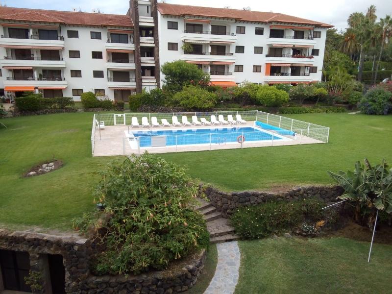 Gelegenheit!  Komplett möbliertes Appartement mit terrasse im Botanico!