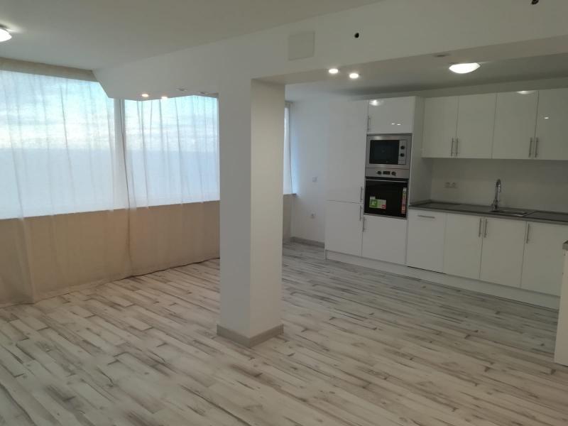 Fantastische, komplett renovierte Wohnung mit noch atemberaubenderer Aussicht!!!