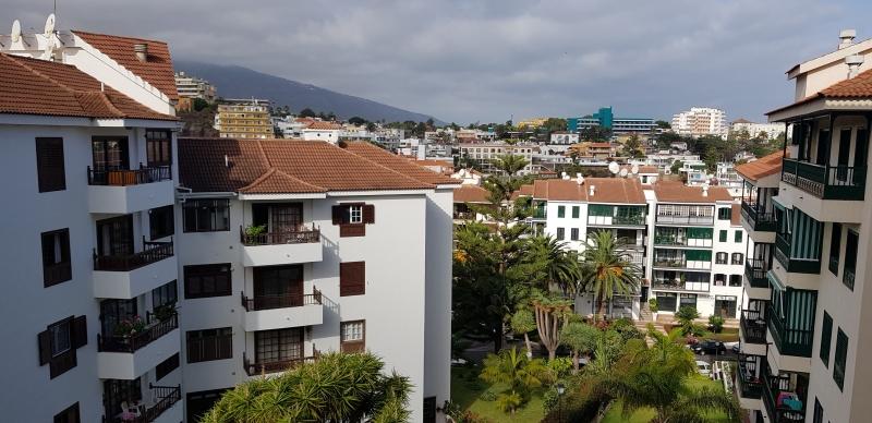 Große Wohnung im Bereich der Urbanisation El Tope.