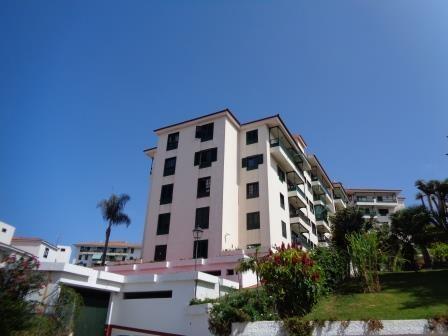 Sonnige 3 Schlafzimmer-Eck-Wohnung mit parkplatz und panoramablick!