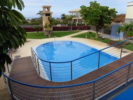 Sehr schönes komplett möbliertes Reihenhaus mit Garage, Pool, Terrassen.... Immobilie zur Miete - kanarenmakler