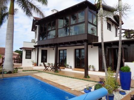 Haus / Villa mit spektakulärer Aussicht, Pool, Terrassen, Garten und vielen Extras Immobilie zur Miete - kanarenmakler